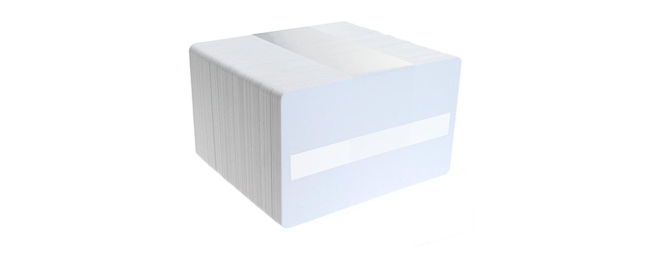 tarjetas-pvc-blancas-con-panel-escritura